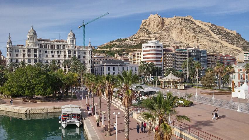 Alicante en estos momentos está entre las zonas que más tardan en absorber su stock de pisos